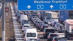 Autobahnstau; Rechte: imago