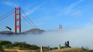 Golden Gate Bridge im Nebel.