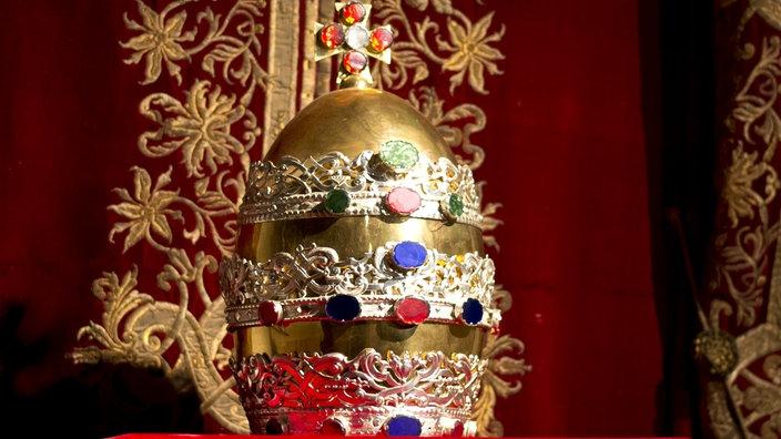 Papst Krone