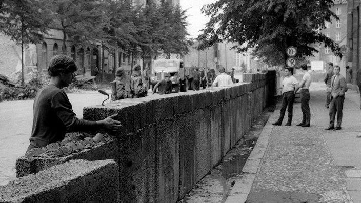 Bau Der Berliner Mauer Karte.Ddr Berliner Mauer Ddr Geschichte Planet Wissen
