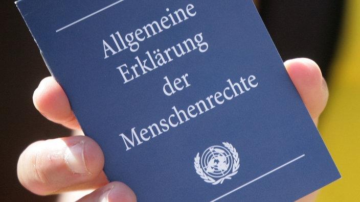 Geschichte Der Menschenrechte Die Allgemeine Erklarung Der Menschenrechte Menschenrechte Geschichte Planet Wissen