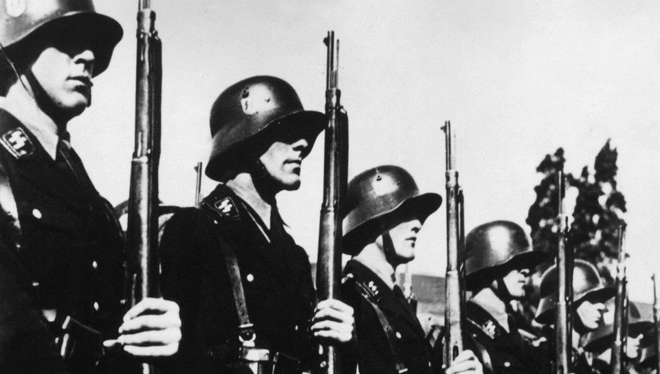 Drittes Reich: Die SS - Nationalsozialismus - Geschichte - Planet ...