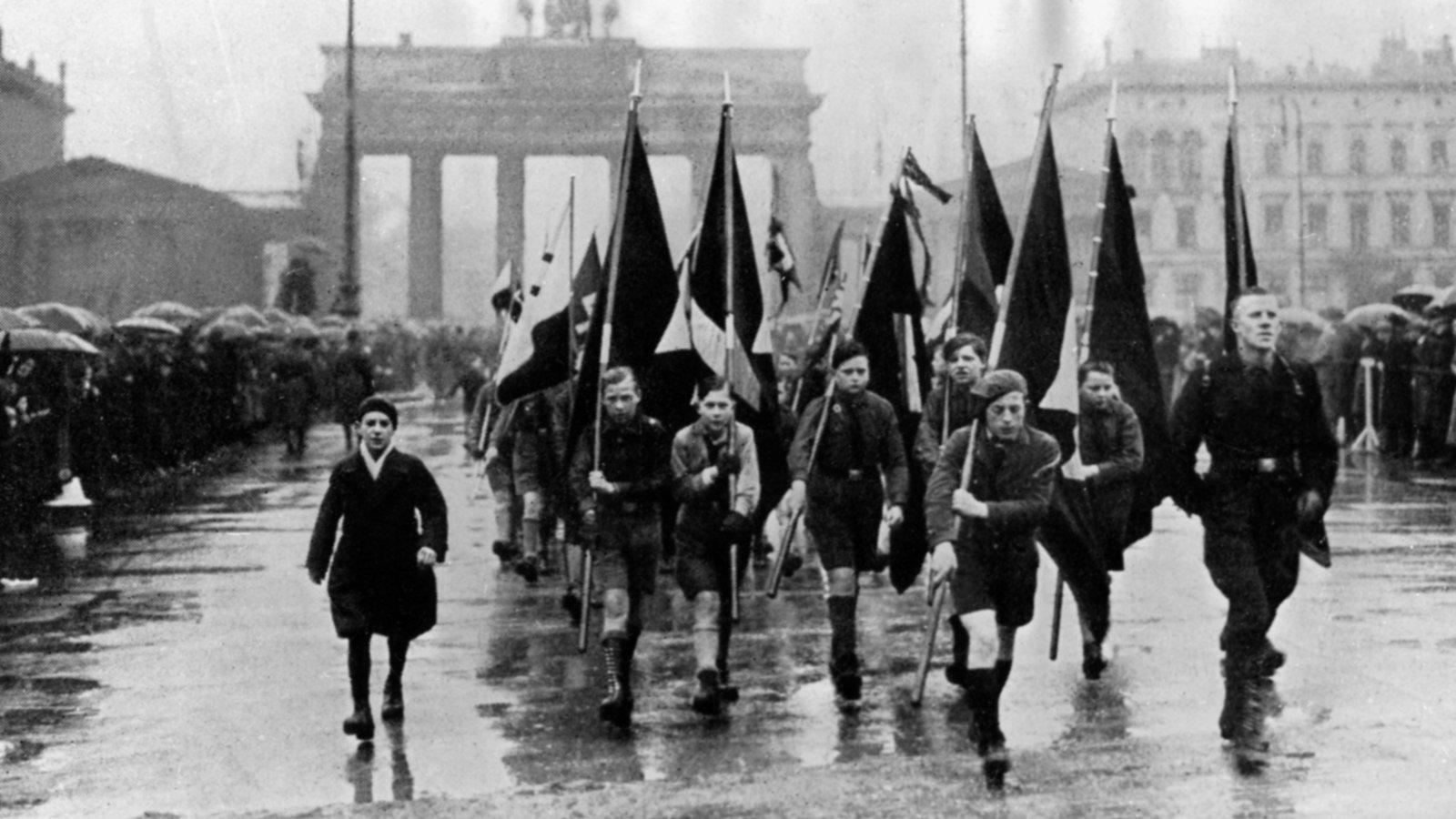 Kindheit im Zweiten Weltkrieg: Kindheit unter Hitler ...