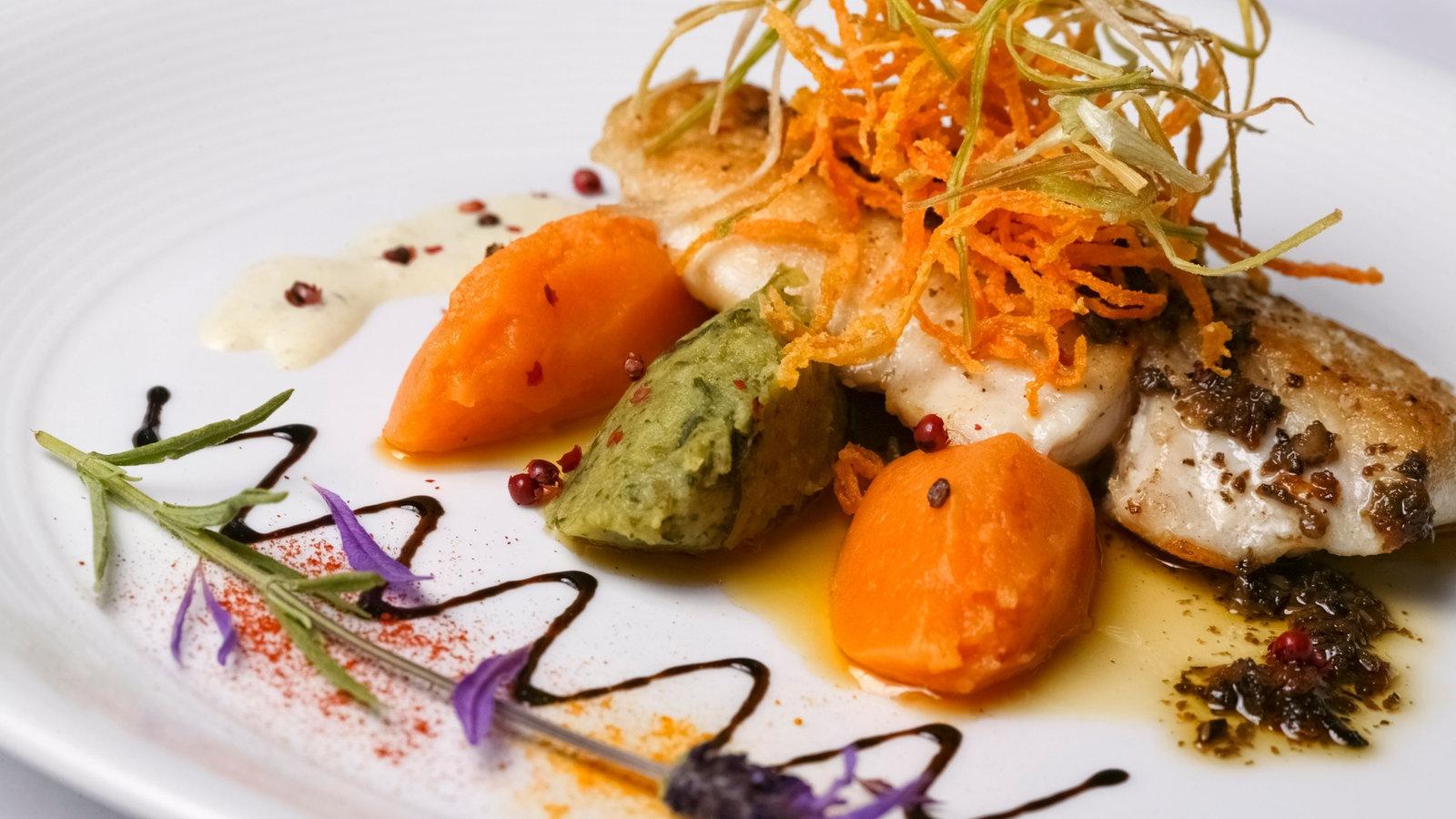 Essen gourmetk che essen gesellschaft planet wissen for Nouvelle cuisine
