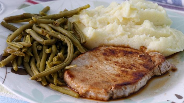 Essen kochen kochen essen gesellschaft planet wissen for Einfache essen kochen
