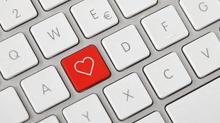 PC-Tastatur mit Herzsymbol