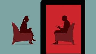 Zeichnung: Frau sitzt im Sessel, gegenüber ein Therapeut.