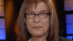 Porträt der transsexuellen Schiedsrichterin <b>Marie Karsten</b> - dietranssexuelleschiedsrichterinmariekarsten100~_v-ARDAustauschformat