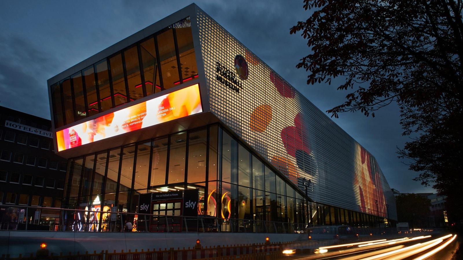 Das Deutsche Fußballmuseum von außen.