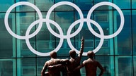 Olympische Ringe am Stadion in Berlin.
