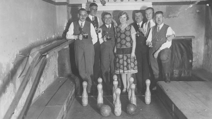 Compañía de bolos, alrededor de 1930.