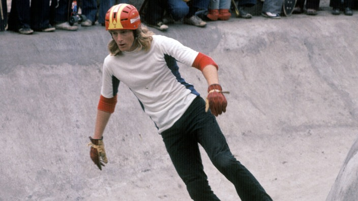 1978: Stacy Peralta skatet in der Skate City London.