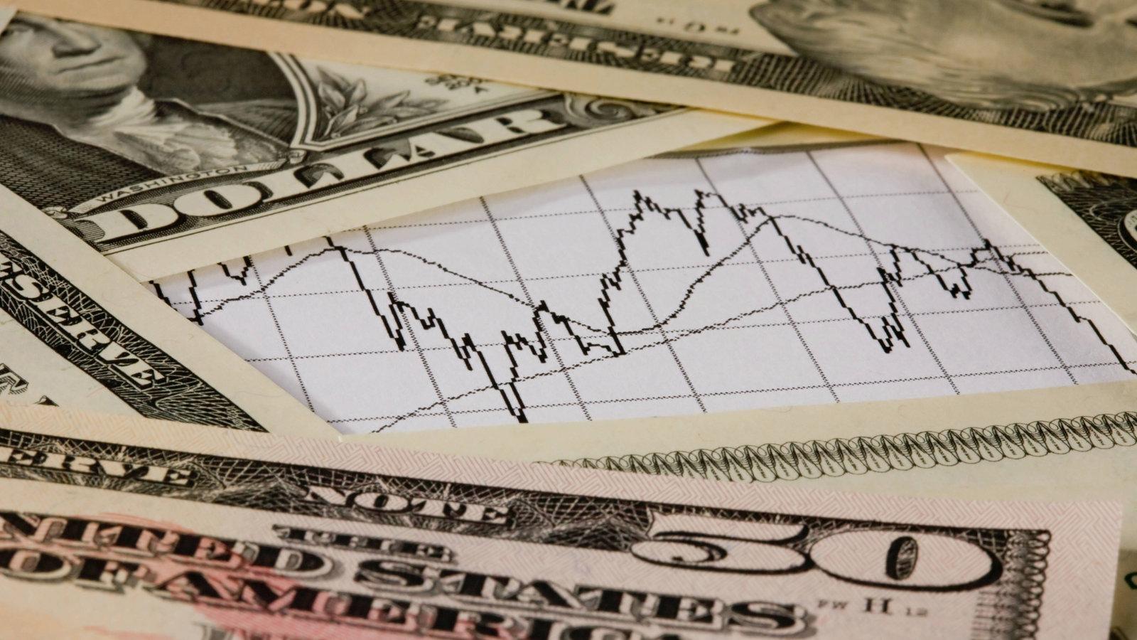 """Spekulation (lateinisch speculor, """"beobachten, spähen, auskundschaften"""") ist in der Wirtschaft die mit einem Risiko behaftete Ausnutzung von Kurs-, Zins-oder Preisunterschieden innerhalb eines bestimmten Zeitraums zum Zwecke der Gewinnmitnahme."""