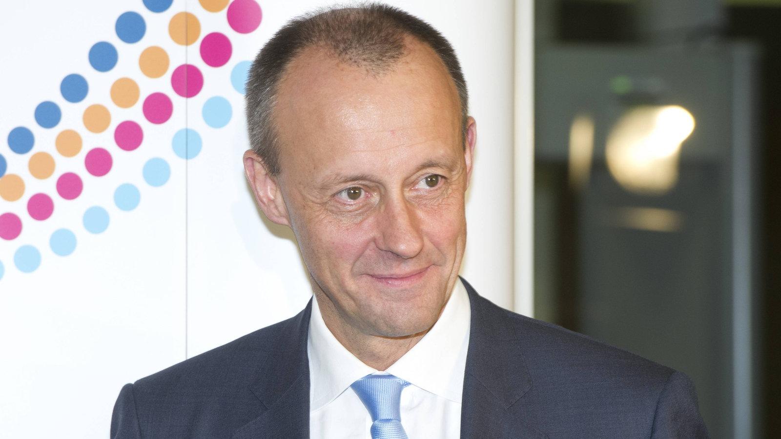 Es ist bekannt, dass der frühere Bundesfinanzminister Lafontaine mit seinen G8-Kollegen Ende / Anfang über grundlegend neue Regulierungen der internationalen Finanzmärkte beraten hat und konkrete Ergebnisse erzielt waren.