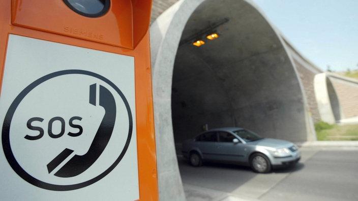 Wie verhalten sie sich bei einer panne in einem tunnel