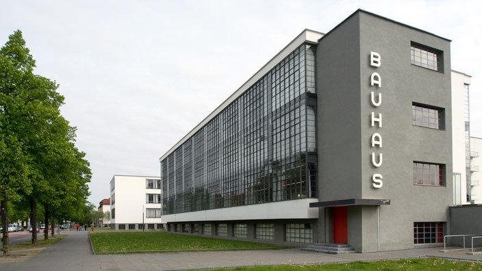 Architektur gr nderzeit bis bauhaus architektur for Bauhaus architektur heute