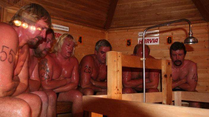 nackte frau sauna