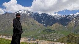 Georgien: Berglandschaft um Kazbegi