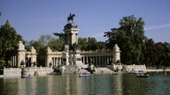 Der See in der Mitte des Retiro-Parks in Madrid.