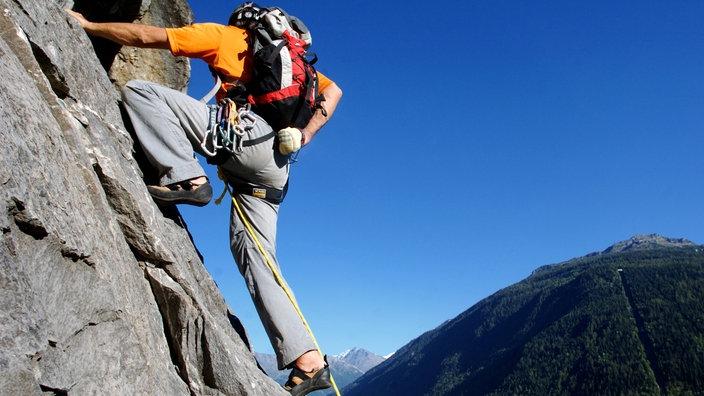 Kletterausrüstung Was Gehört Dazu : Gebirge: klettern gebirge natur planet wissen