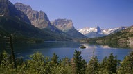 St. Mary Lake mit Wild Goose Island, Landschaften, Glacier National Park (Montana, USA).