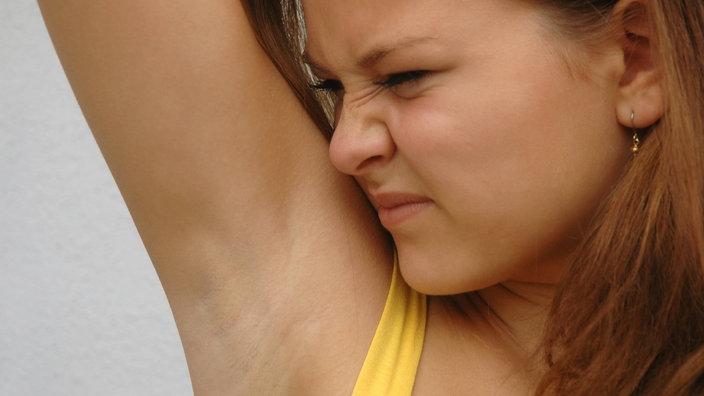 Die Strumpfhosenfußgeschichten der Frauen riechen