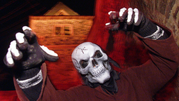 Mann mit Totenkopfmaske