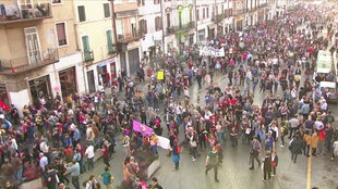 Frauenhass - Demo gegen rechtes Denken Italien