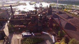 Das Stahlwerk ArcelorMittal in Hamburg-Finkenwerder.