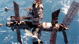 Die Raumstation MIR von oben.