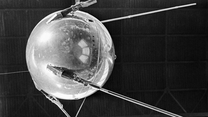 Sputnik 1 im All.