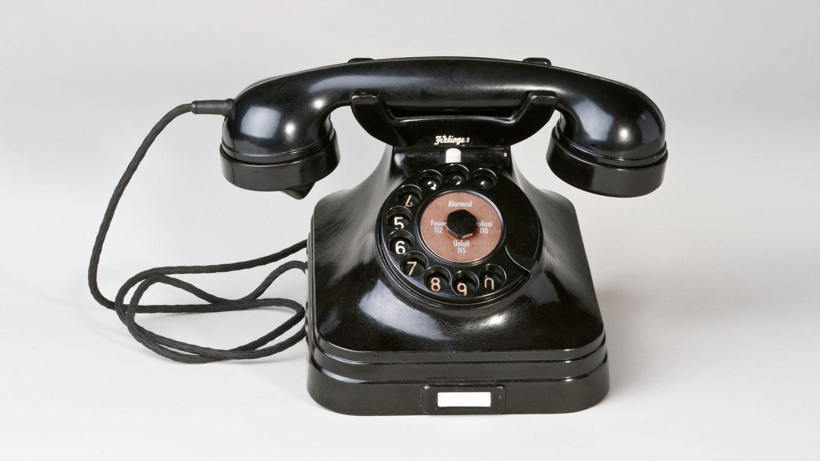 wer hat das telefon erfunden