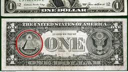Vorder- und Rückseite der Ein-Dollar-Note; dabei rot umkreist das sehende Auge auf der Rückseite des Geldscheins.